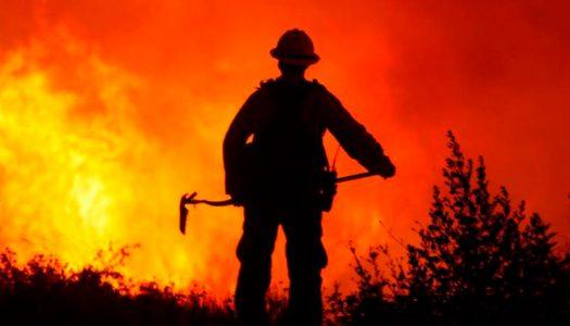 """Posibles """"tormentas de fuego"""" amenazan la zona central de Chile"""